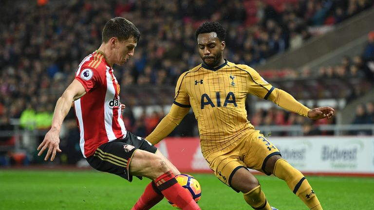 SUNDERLAND, ENGLAND - JANUARY 31: Danny Rose of Tottenham Hotspur takes on Billy Jones of Sunderland during the Premier League match between Sunderland and