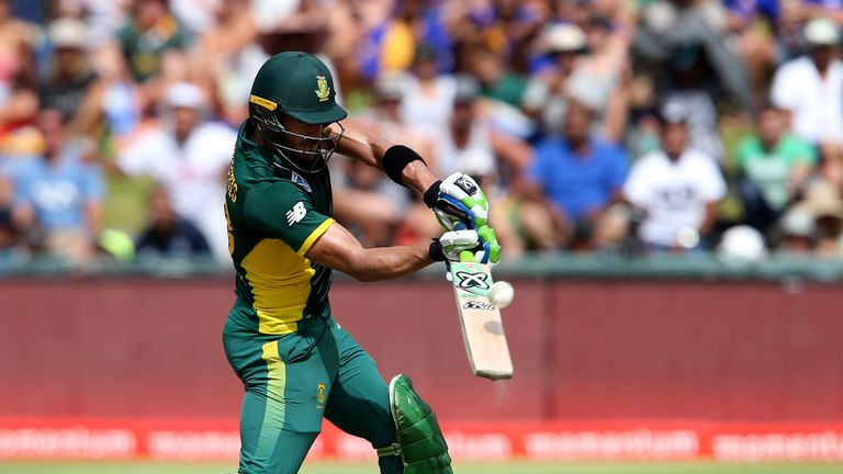 Faf du Plessis hit a career-best 185 as South Africa saw off Sri Lanka at Newlands