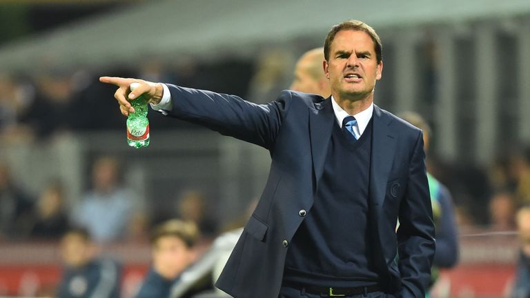 "Inter Milan's coach from Netherland Frank De Boer gestures during the Italian Serie A football match Inter Milan vs Torino at ""San Siro"" Stadium in Milan o"