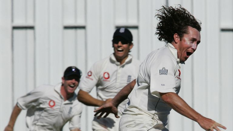 Ryan Sidebottom (R) of England celebrates his hat-trick LBW on Jacob Oram of New Zealand as English teammates Paul Collingwood (L) and Alastair Cook (C) ru