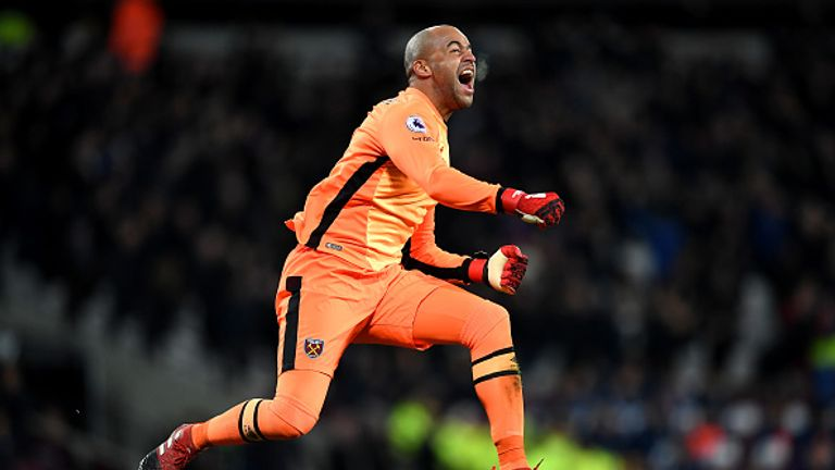 Middlesbrough agree fee with West Ham United for Darren Randolph