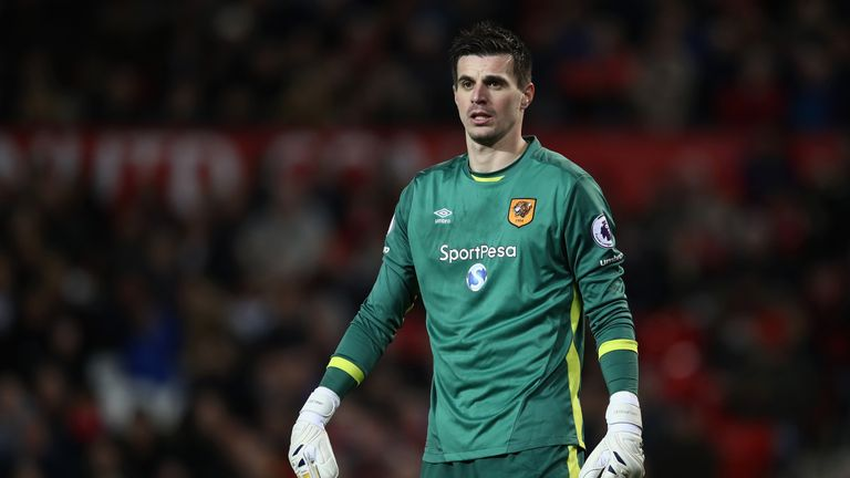 'No bids' for goalkeeper Eldin Jakupovic, say Hull