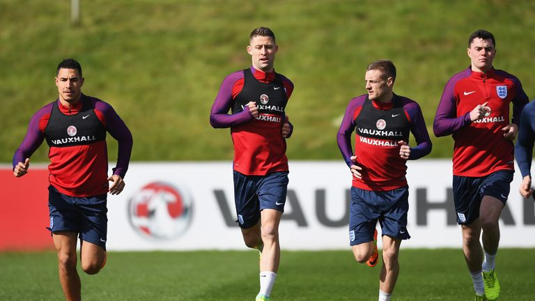 (Left to right) Jake Livermore, Gary Cahill, Jamie Vardy and Michael Keane warm up