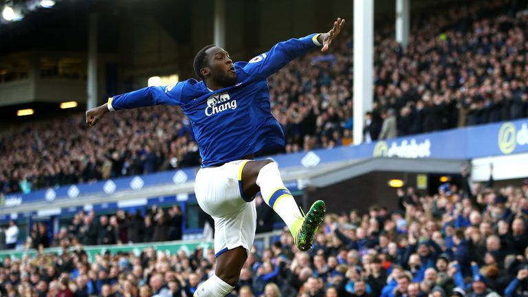 LIVERPOOL, ENGLAND - FEBRUARY 04:  Romelu Lukaku of Everton celebrates scoring his sides first goal during the Premier League match between Everton and AFC
