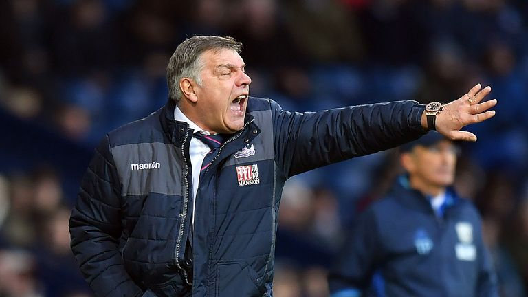 Crystal Palace manager Sam Allardyce shouts instructions to his players during the match at The Hawthorns