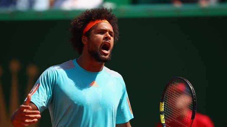 Tsonga loses opening match in Monte Carlo, Djokovic wins