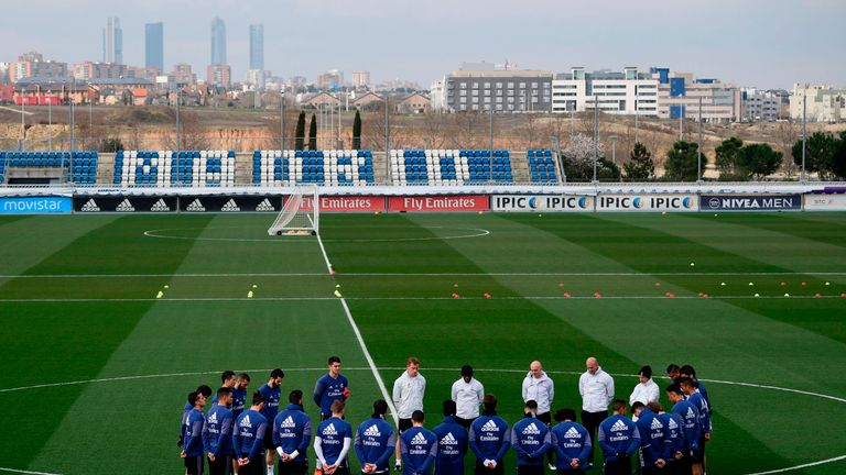 Zinedine Zidane and his squad begin training at Ciudad Real Madrid