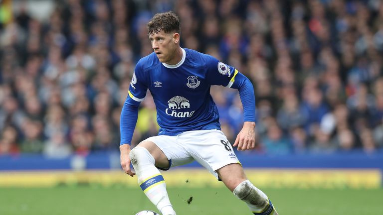 Everton's stand-off with Ross Barkley likely to run into the close-season