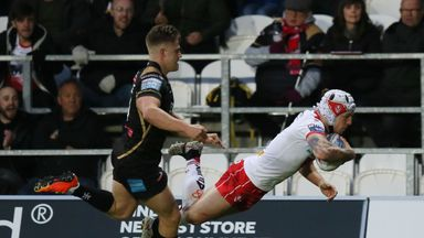 Theo Fages dives over for St Helens' second try