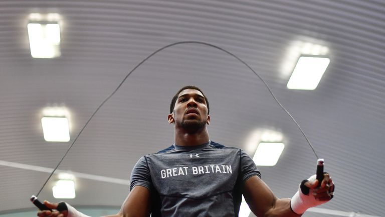 SHEFFIELD, ENGLAND - APRIL 19:  Anthony Joshua skips during the media workout at EIS Sheffield on April 19, 2017 in Sheffield, England.  (Photo by Dan Mull