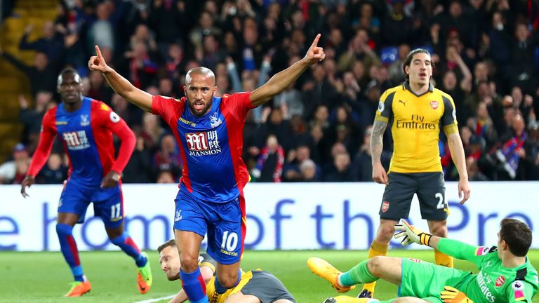 Andros Townsend of Crystal Palace (10) celebrates as he scores their first goal during against Arsenal