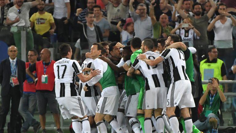 Juventus Selebrasi Gol Dani ALves
