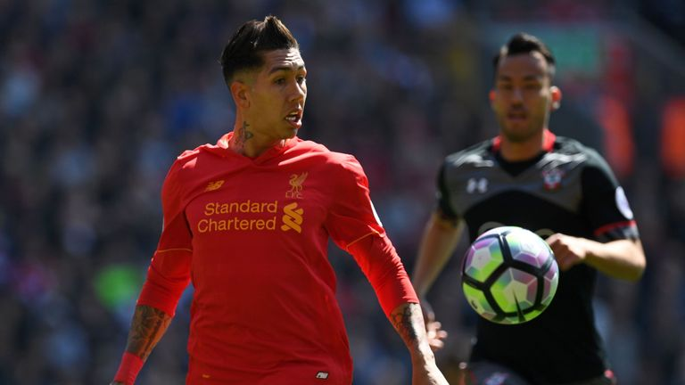 Roberto Firmino (left) failed to unlock the Saints