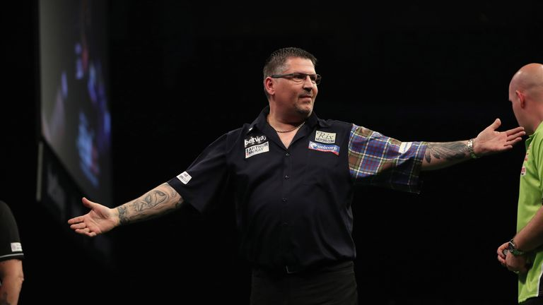 Gary Anderson beat Peter Wright to take the second spot in Group B