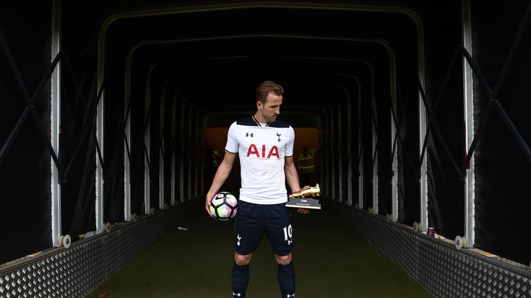 Harry Kane poses with the 2016/17 Premier League Golden Boot