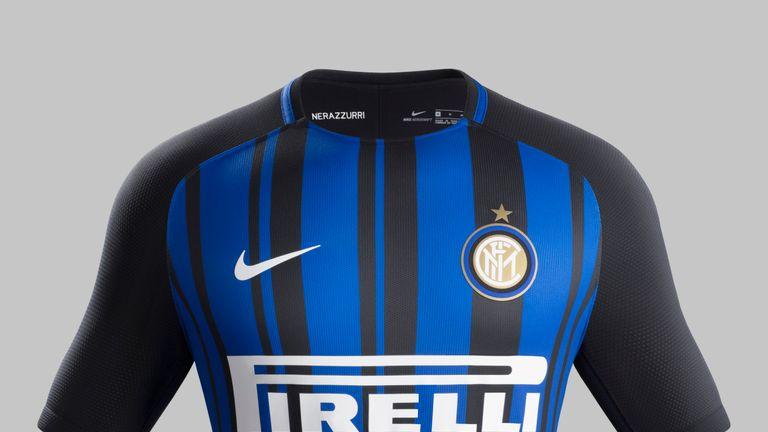 Nouveau maillot domicile noir et bleu de l'Inter Milan pour 2017/18 par Nike