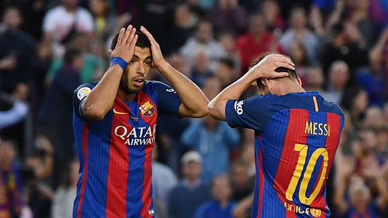 Luis Suarez and Messi show their frustration