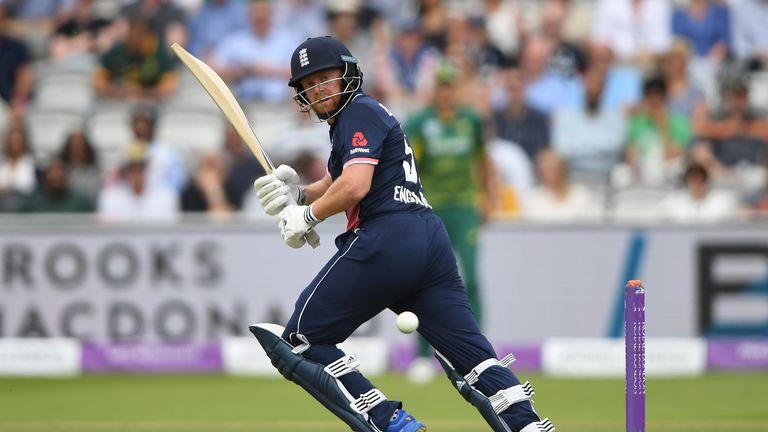 Jonny Bairstow glances to leg