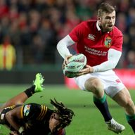 Elliot Daly gets away from the Chiefs defence