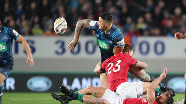 Sonny Bill Williams offloads to Ihaia West to set up the winning try