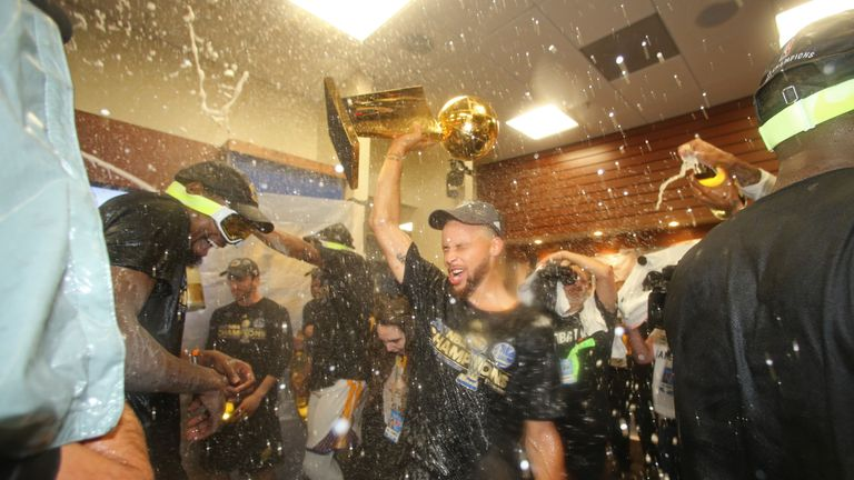 Golden State defeat Cleveland Cavaliers to claim NBA crown ...