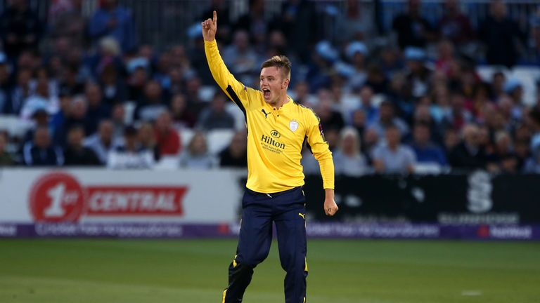 Mason Crane took 3-15 as Hampshire beat Middlesex