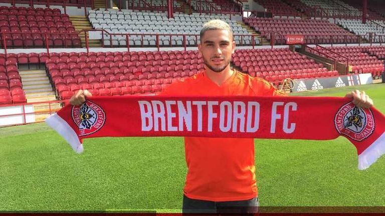 Neal Maupay has joined Brentford in a £1.6m deal (Pic c/o: @BrentfordFC)
