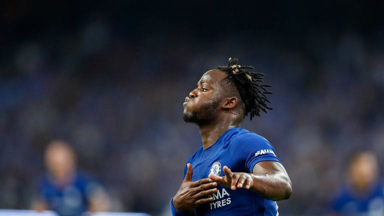 Antonio Conte sends message to Chelsea supporters about Michy Batshuayi