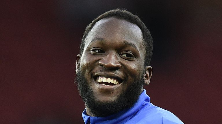 Romelu Lukaku is close to completing a £90m move to Manchester United