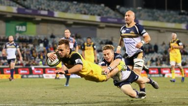Wes Goosen dives to score a try against the Brumbies
