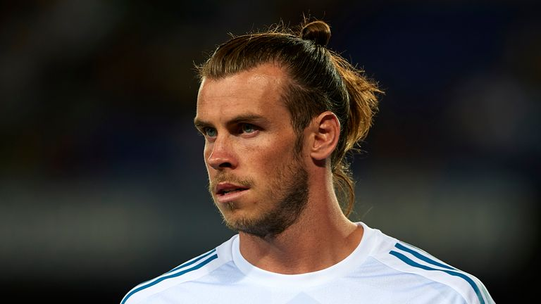 Manchester United have  bid for Gareth Bale, according to reports