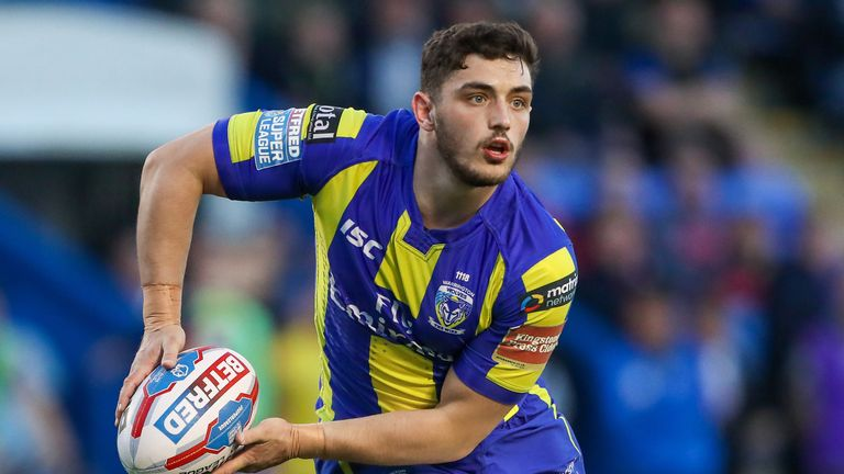 Declan Patton kicked three goals as the Wolves' blushes were spared