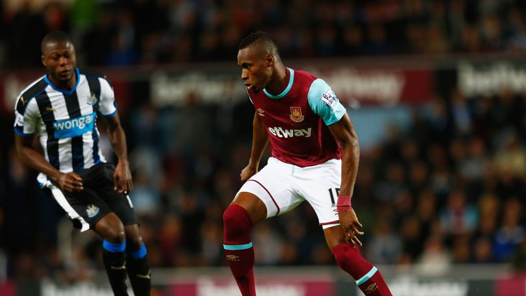 Diafra Sakho reports back for training at West Ham