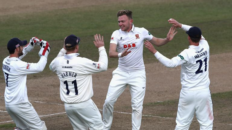 Essex on the brink of County Championship title after thrashing Warwickshire
