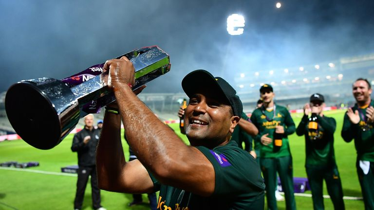 Samit Patel holds the NatWest T20 Blast trophy aloft