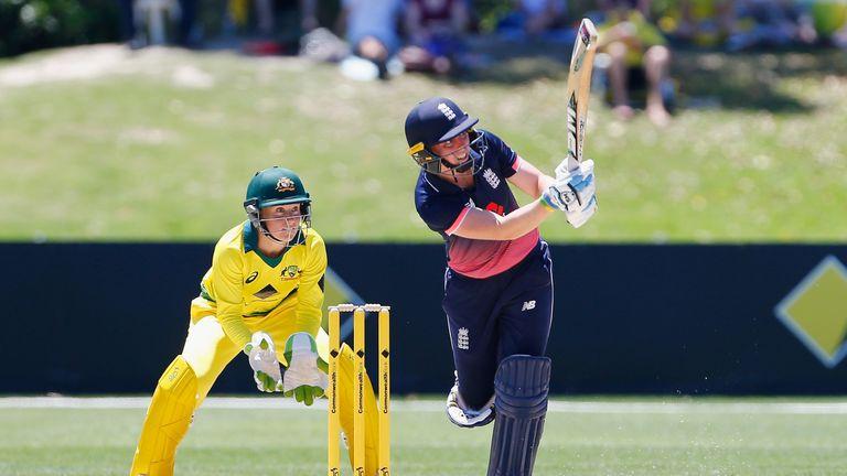 Heather Knight hit an unbeaten 88 as England Women won the third ODI