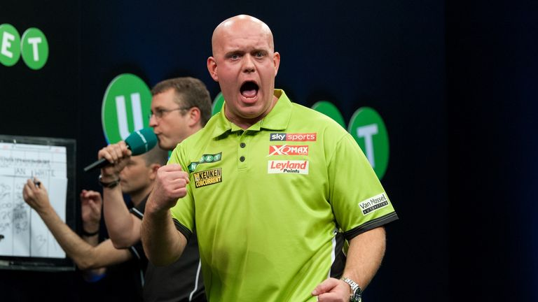Michael van Gerwen booked his place in the Grand Slam last 16 after a dramatic 5-4 win over Rob Cross