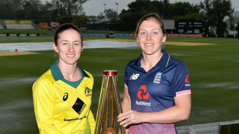 BRISBANE, AUSTRALIA - OCTOBER 21:  Team captains Rachael Haynes of Australia and Heather Knight of England pose for a photo after an Australian Women's Tra