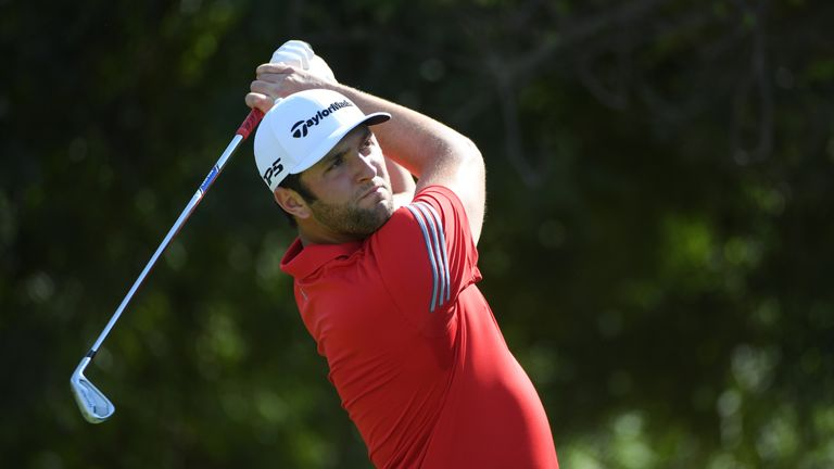 Lowry in touch with leaders heading into final round in Dubai