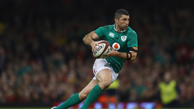 Rob Kearney is easing back into training after a minor ankle knock
