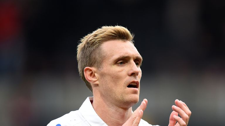 WATFORD, ENGLAND - OCTOBER 28:  Darren Fletcher of Stoke City applauds the fans at the end of the Premier League match between Watford and Stoke City at Vi