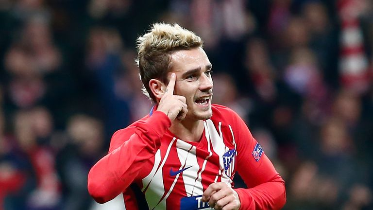 MADRID, SPAIN - NOVEMBER 22:  Antoine Griezmann of Atletico Madrid celebrates after scoring his team's opening goal during the UEFA Champions League group