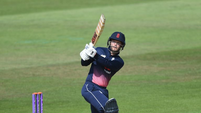 England move to suspend Lion Ben Duckett
