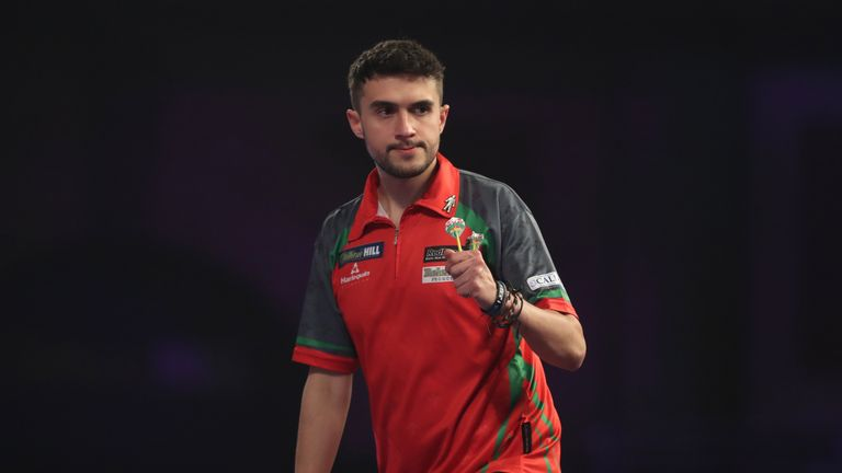 Jamie Lewis storms into world semi-finals