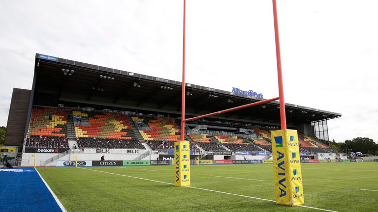 Champions Cup: Snow causes Saracens v Clermont to be postponed