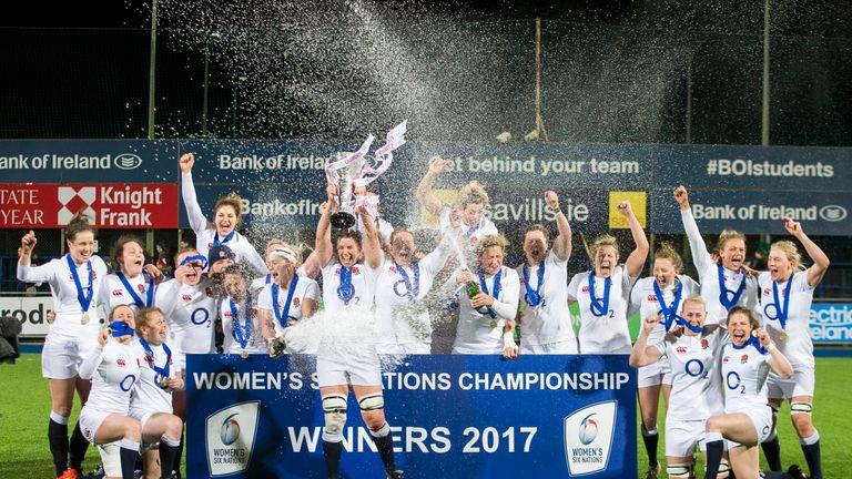 Sarah Hunter lifting the 2017 Six Nations trophy