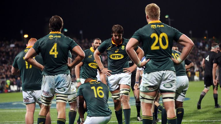 South Africa players look dejected following their heavy defeat to New Zealand