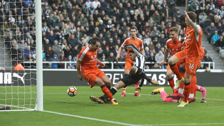 Ayoze Perez scores in Newcastle's win over Luton