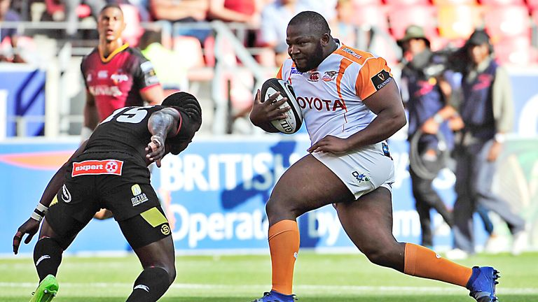 Cheetahs' Ox Nche on the charge
