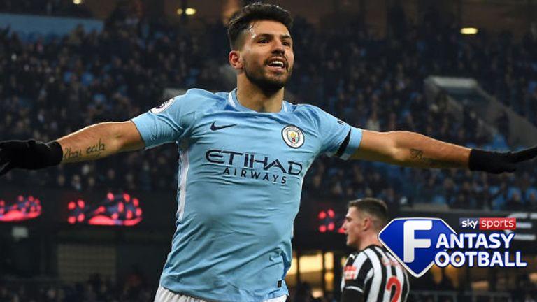 Sergio Aguero celebrates Manchester City's opening goal